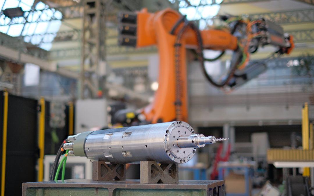 Une unité compacte de perçage vibratoire intelligent pour les lignes d'assemblage aéronautiques